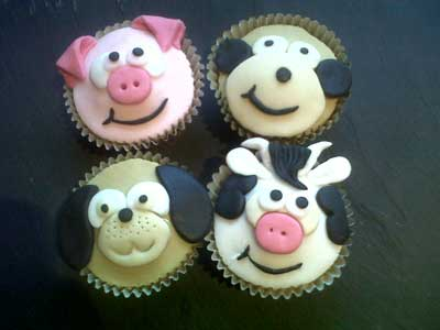 Novelty animal cupcakes
