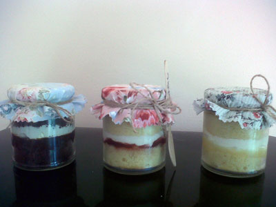 Cakes in a Jar...flavours include vanilla, lemon, chocolate fudge, carrot cake and red velvet